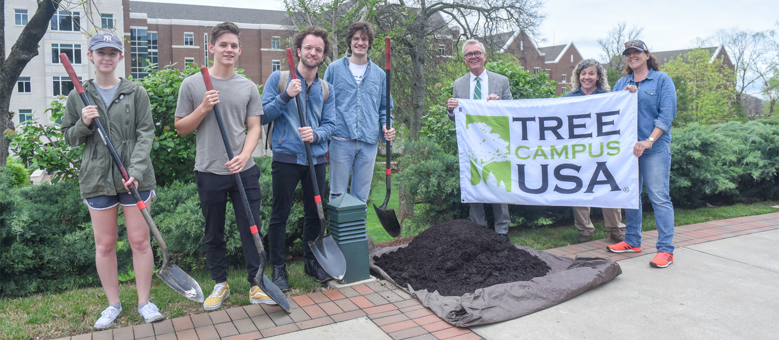 Belmont Celebrates Arbor Day with Ginkgo Tree Planting